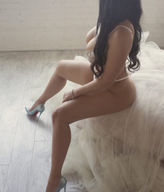 Toronto escort Milana Duo Non-smoking Mature Curvy Petite Breasts Enhanced Other Brunette European Tattoos None