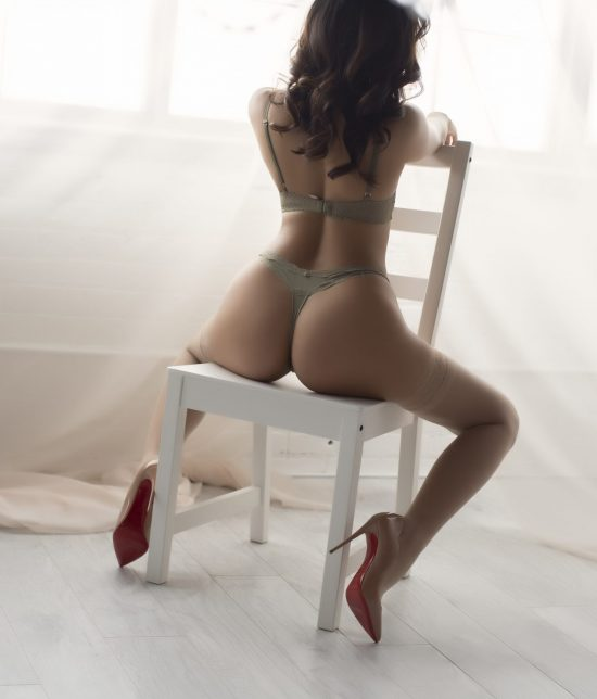 Toronto escort companion upscale classy high class sexy hot beautiful gorgeous Carlisle Duo Non-smoking Mature Slender Petite Breasts Natural Raven-Haired Asian Tattoos None Video