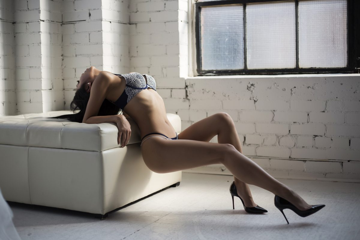 Toronto escorts companion upscale Giselle Duo Couple-friendly Disability-friendly Non-smoking Young Slender Petite Breasts Natural Brunette Asian Exotic Tattoos None