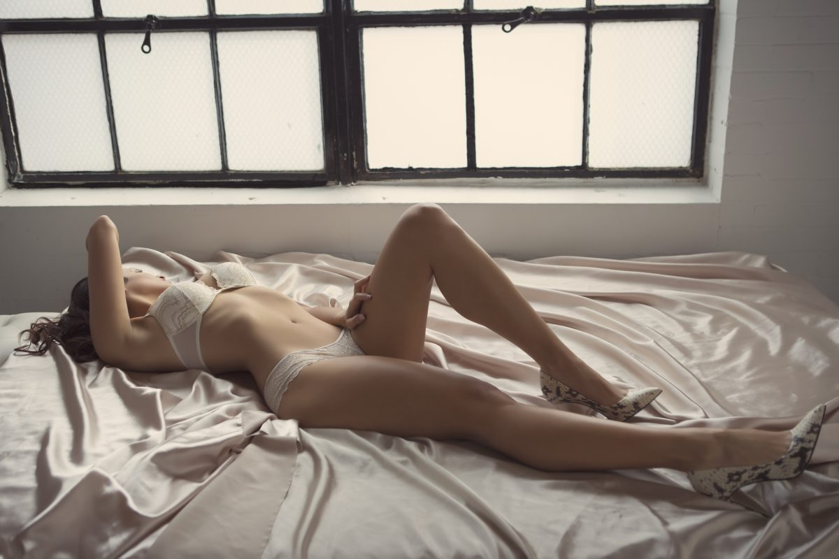 Toronto escorts companion upscale Isabella Interests Duo Couple-friendly Non-smoking Age Young Figure Slender Tall Breasts Natural Hair Brunette Ethnicity European Tattoos None