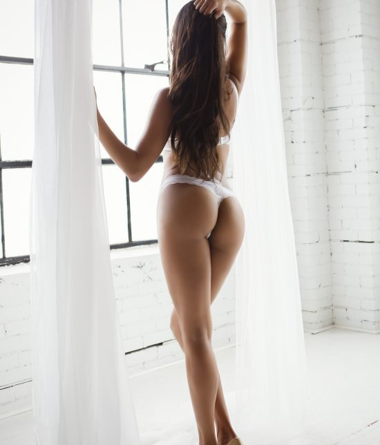 Toronto escort companion upscale classy high class sexy hot beautiful gorgeous April Duo Non-smoking Mature Slender Curvy Tall Breasts Enhanced Brunette Exotic Tattoos Small