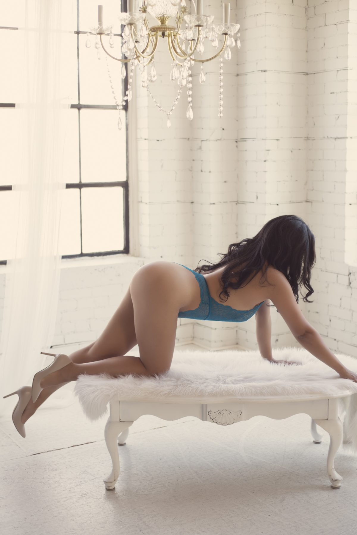 Toronto escorts companion upscale Rachel Duo Couple-friendly Disability-friendly Non-smoking Young Curvy Breasts Natural Brunette Exotic Tattoos None