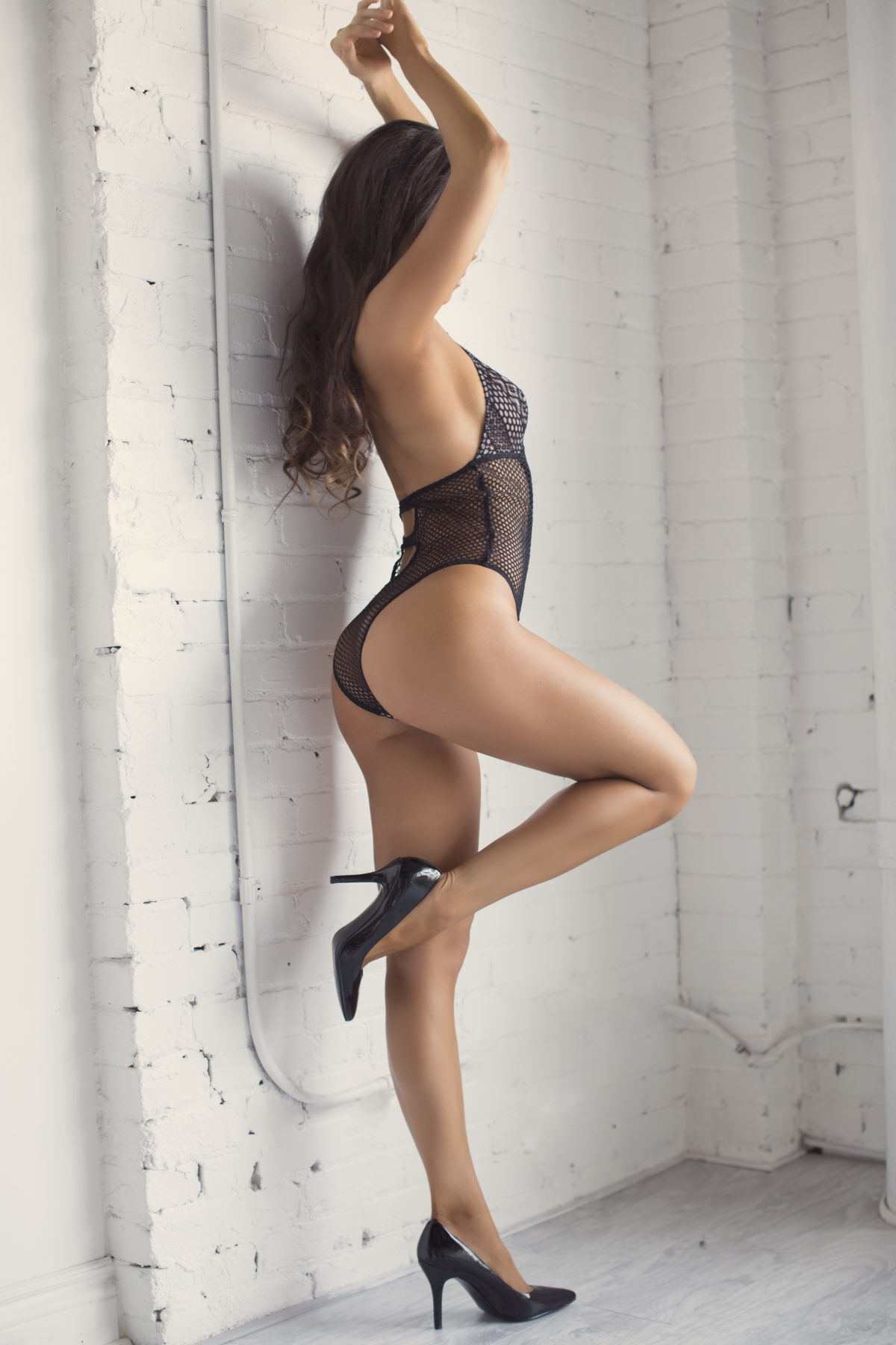 Toronto escorts companion upscale Mariah Interests Duo Couple-friendly Disability-friendly Non-smoking Age Mature Slender Petite Tall Breasts Natural Hair Brunette Ethnicity European Tattoos None