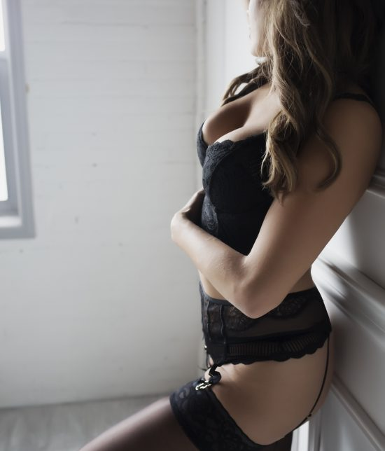 Toronto escort Serena Interests Duo Couple-friendly Non-smoking Age Young Slender Curvy Tall Breasts Natural Hair Brunette Ethnicity European Tattoos None