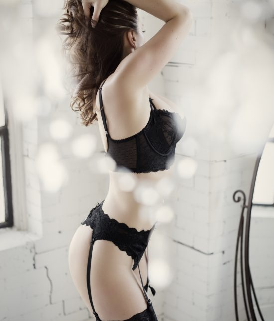 Toronto escort companion upscale classy high class sexy hot beautiful gorgeous Laura Interests Duo Couple-friendly Non-smoking Age Mature Figure Slender Tall Breasts Enhanced Hair Brunette Ethnicity European Tattoos None