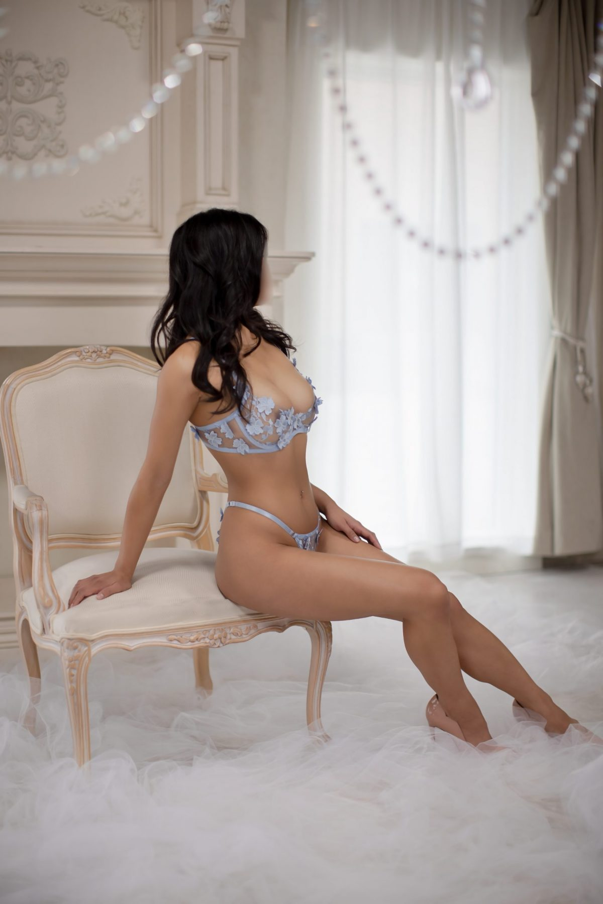 Toronto escorts companion upscale Bria Interests Duo Disability-friendly Age Young Figure Curvy Petite Breasts Natural Hair Raven-Haired Ethnicity Asian Tattoos Small New Photos Returning