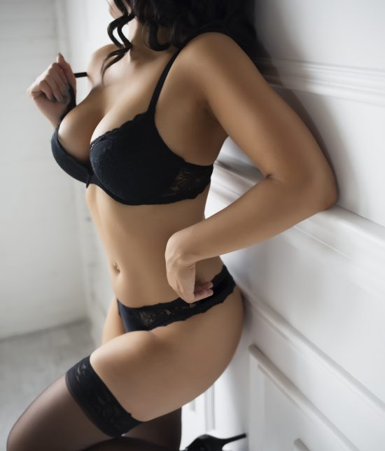 Toronto escort companion upscale classy high class sexy hot beautiful gorgeous Wendy Interests Non-smoking Age Mature Figure Slender Petite Breasts Natural Hair Brunette Ethnicity European Tattoos Small