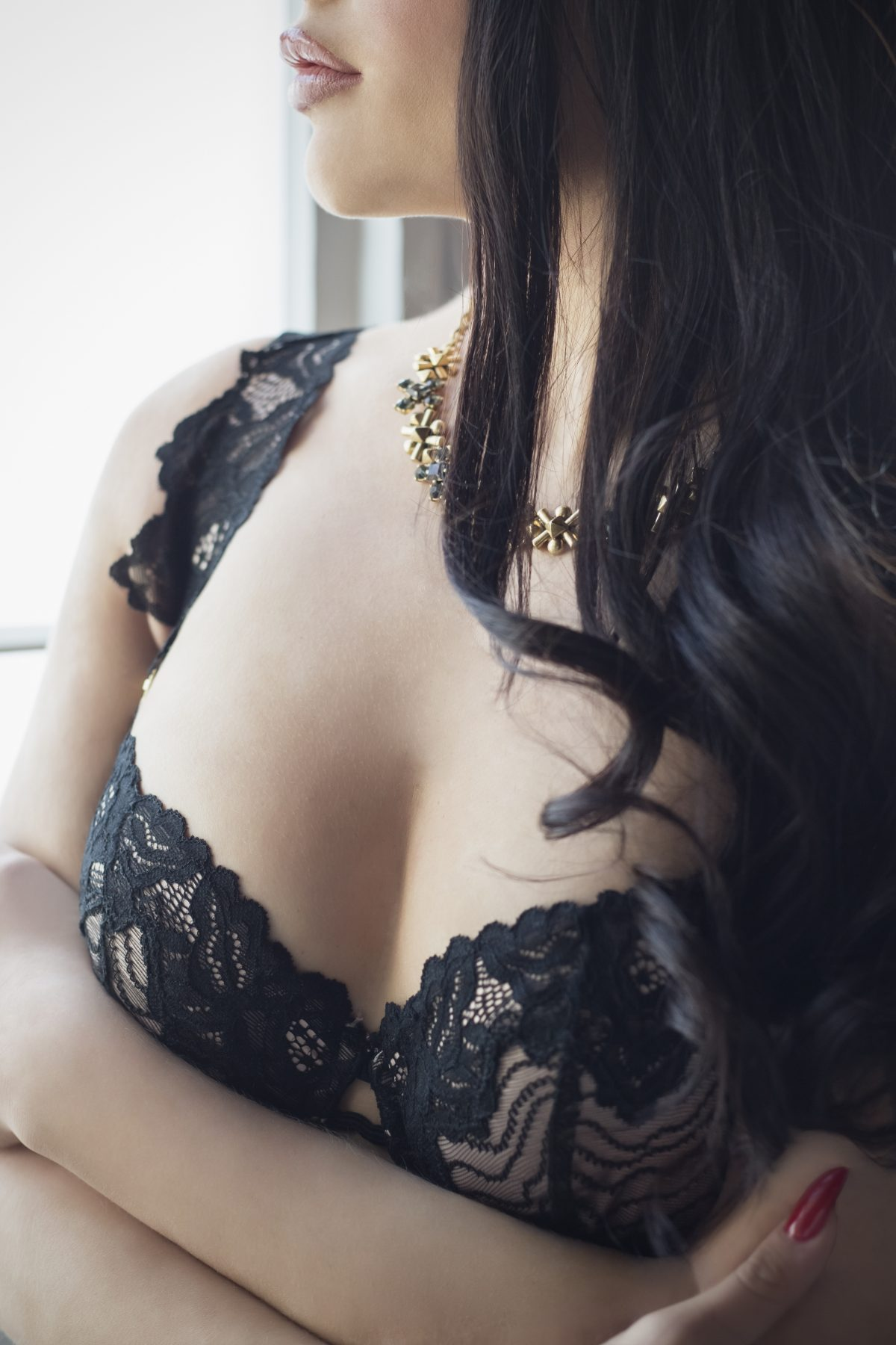 Toronto escorts companion upscale Bianca Interests Duo Couple-friendly Disability-friendly Age Young Figure Curvy Breasts Natural Hair Other Brunette Ethnicity European Tattoos Large
