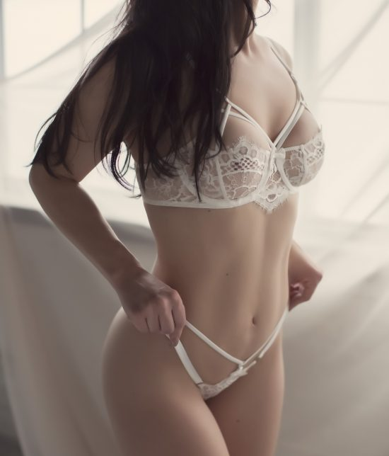 Toronto escort companion upscale classy high class sexy hot beautiful gorgeous Peyton Interests Duo Couple-friendly Non-smoking Age Mature Figure Slender Petite Breasts Natural Hair Brunette Ethnicity European Tattoos Small