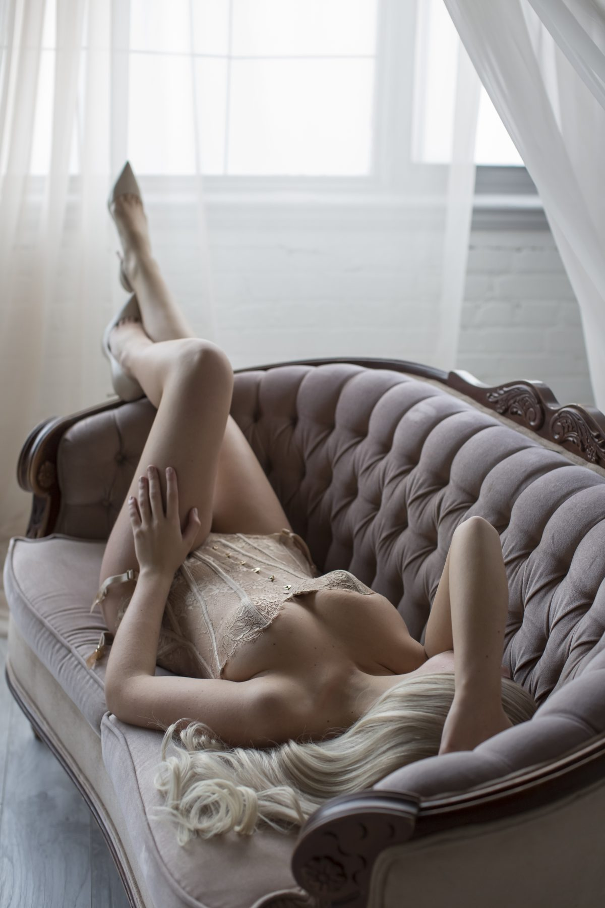 Toronto escorts companion upscale Pilar Interests Duo Couple-friendly Disability-friendly Non-smoking Age Young Figure Slender Petite Breasts Natural Hair Blonde Ethnicity European Tattoos None