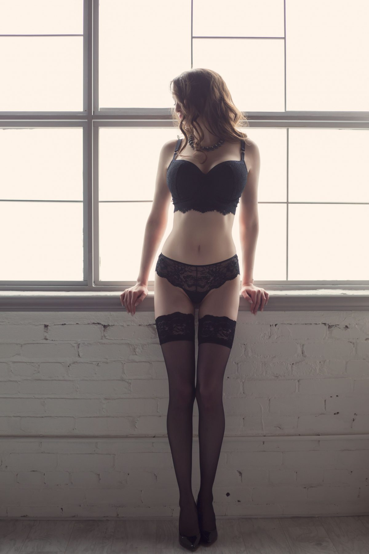 Toronto escorts companion upscale Amelie Interests Duo Disability-friendly Non-smoking Age Mature Figure Slender Curvy Breasts Enhanced Hair Brunette Ethnicity European Tattoos Small