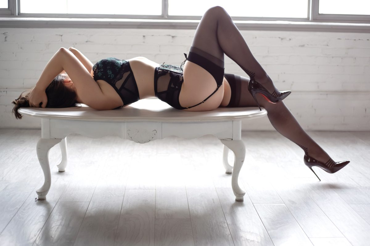 Toronto escorts companion upscale Alice Interests Duo Couple-friendly Disability-friendly Non-smoking Age Young Figure Tall Breasts Natural Hair Brunette Ethnicity European Tattoos Small Returning