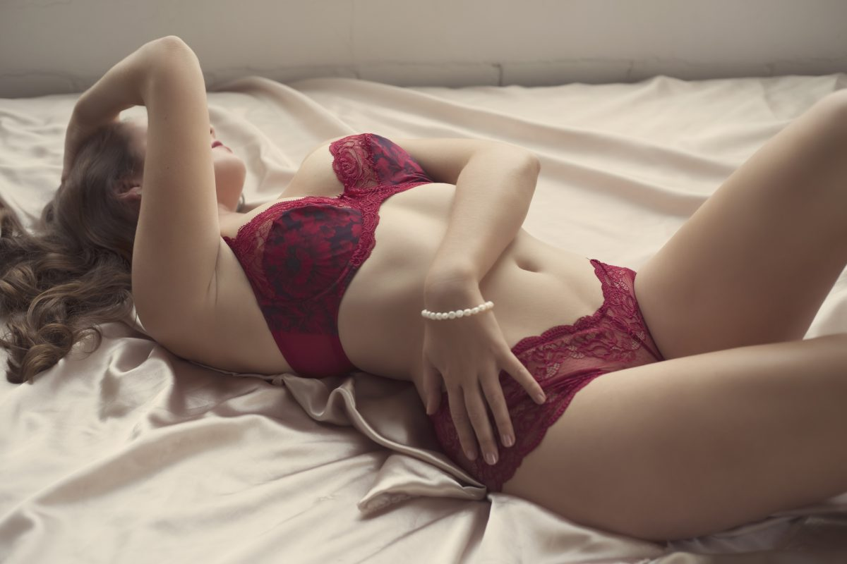 Toronto escorts companion upscale Grace Interests Disability-friendly Non-smoking Age Young Figure Slender Tall Breasts Natural Hair Brunette Ethnicity European Tattoos Small Arrival Returning