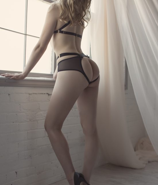 Toronto escort Astrid Interests Duo Couple-friendly Disability-friendly Non-smoking Age Young Figure Slender Petite Tall Breasts Natural Hair Blonde Ethnicity European None