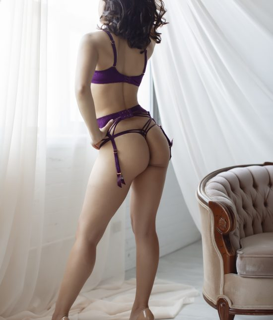 Toronto escort Parker Interests Duo Couple-friendly Disability-friendly Non-smoking Age Young Figure Slender Tall Breasts Natural Hair Brunette Ethnicity European Tattoos Small Video New Photos