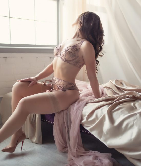 Toronto escort companion upscale classy high class sexy hot beautiful gorgeous Kara Disability-friendly Non-smoking Young Slender Curvy Natural Brunette European None Video