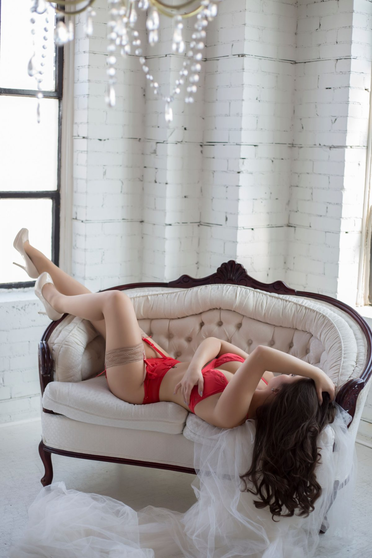 Toronto escorts companion upscale Kara Disability-friendly Non-smoking Young Slender Curvy Natural Brunette European None Returning