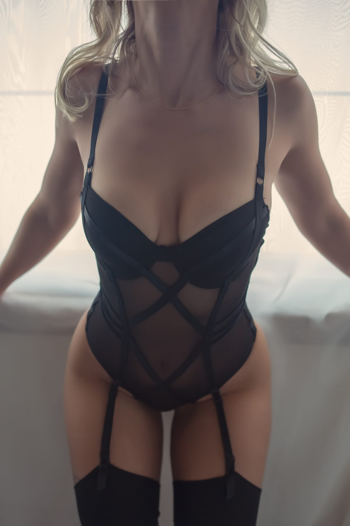 Toronto escorts companion upscale Naomi Interests Duo Couple-friendly Disability-friendly Non-smoking Age Mature Figure Slender Petite Breasts Natural Hair Blonde Ethnicity European Tattoos Large