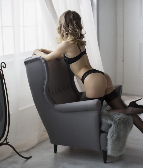 Toronto escort companion upscale classy high class sexy hot beautiful gorgeous Rowan Interests Non-smoking Age Mature Figure Slender Petite Breasts Natural Hair Blonde Ethnicity Exotic Tattoos None