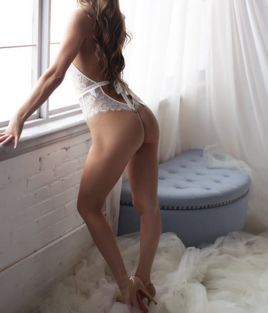 Toronto escort Alessandra Interests Duo Disability-friendly Non-smoking Age Mature Figure Slender Tall Breasts Enhanced Hair Brunette Ethnicity Latina Tattoos None Arrival Video