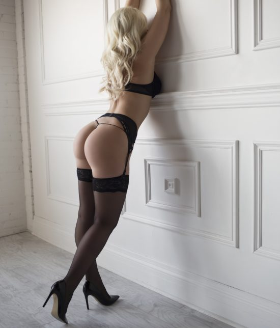Toronto escort Jessica Interests Duo Couple-friendly Non-smoking Age Young Figure Slender Petite Breasts Natural Hair Blonde Ethnicity European Tattoos Small