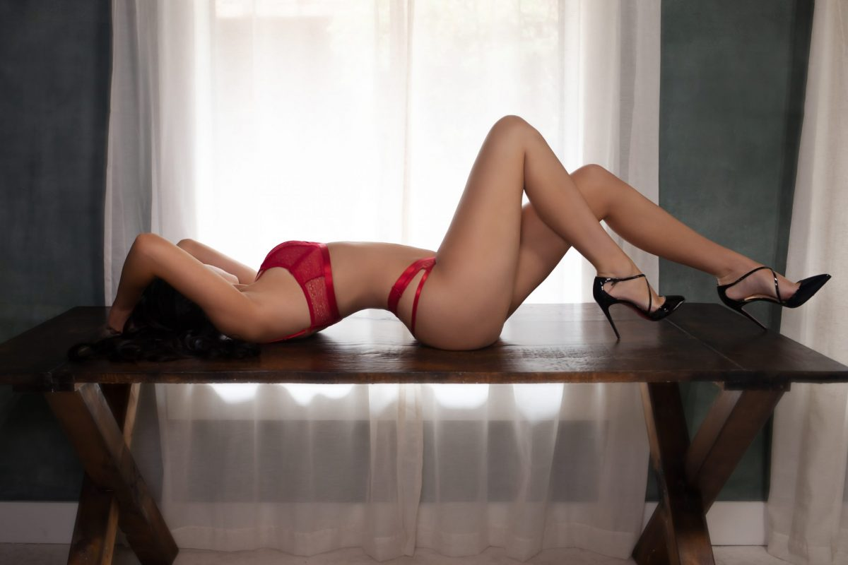 Toronto escorts companion upscale Angelina Interests Disability-friendly Non-smoking Age Young Figure Slender Tall Breasts Natural Hair Raven-Haired Ethnicity European Tattoos Small New Photos