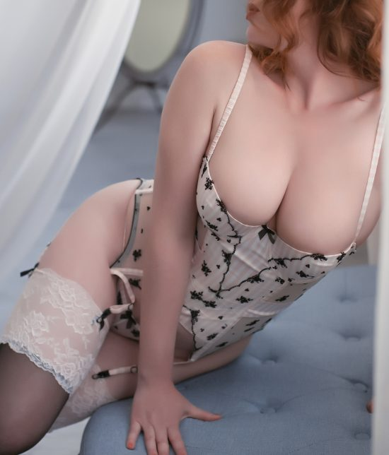 Toronto escort companion upscale classy high class sexy hot beautiful gorgeous Alexis Interests Duo Couple-friendly Age Mature Figure Slender Curvy Tall Breasts Natural Hair Redhead Ethnicity European Tattoos None Arrival New