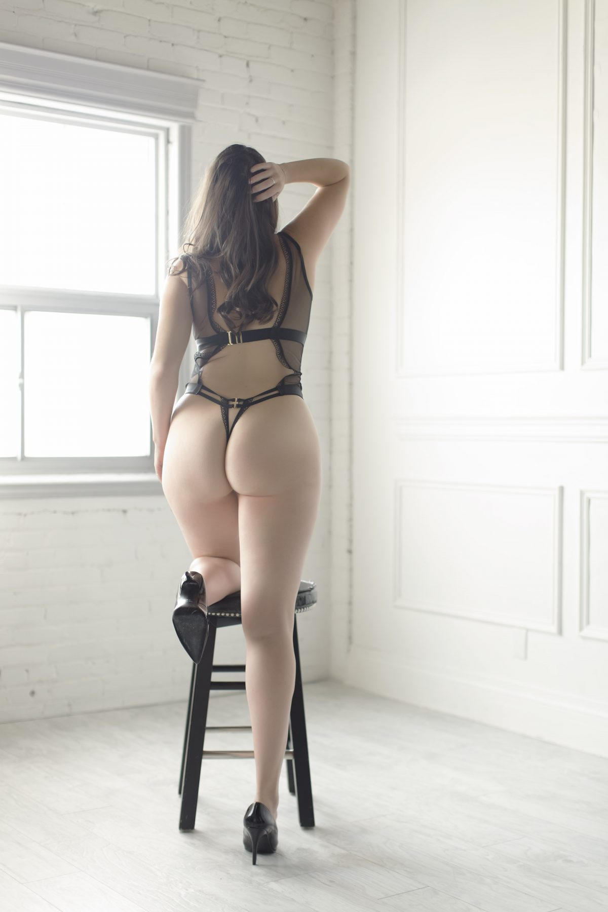 Toronto escorts companion upscale Parker Interests Duo Couple-friendly Disability-friendly Non-smoking Age Young Figure Slender Tall Breasts Natural Hair Brunette Ethnicity European Tattoos Small Video New Photos