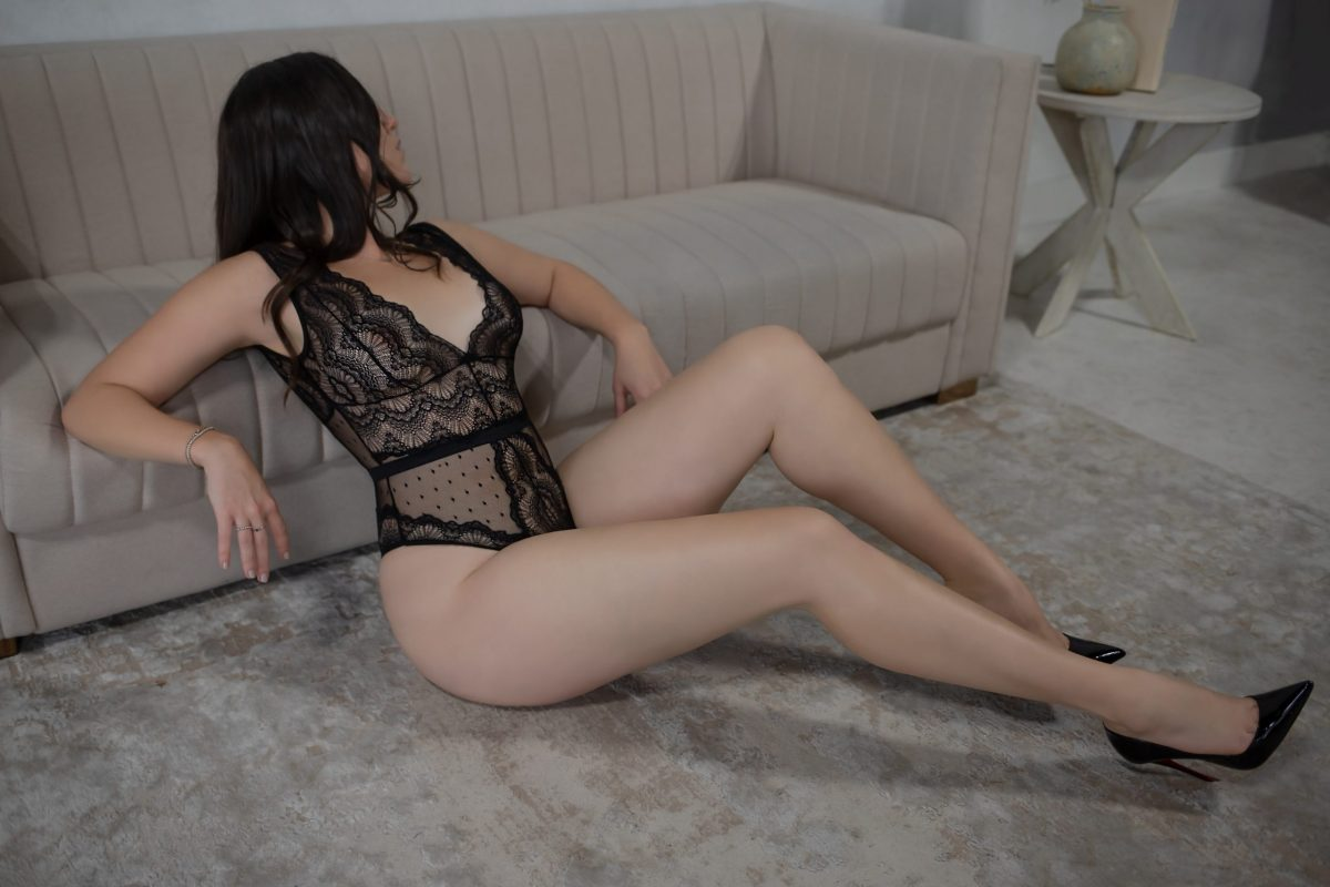 Toronto escorts companion upscale Parker Interests Duo Couple-friendly Disability-friendly Non-smoking Age Mature Figure Slender Tall Breasts Natural Hair Brunette Ethnicity European Tattoos Small New Photos