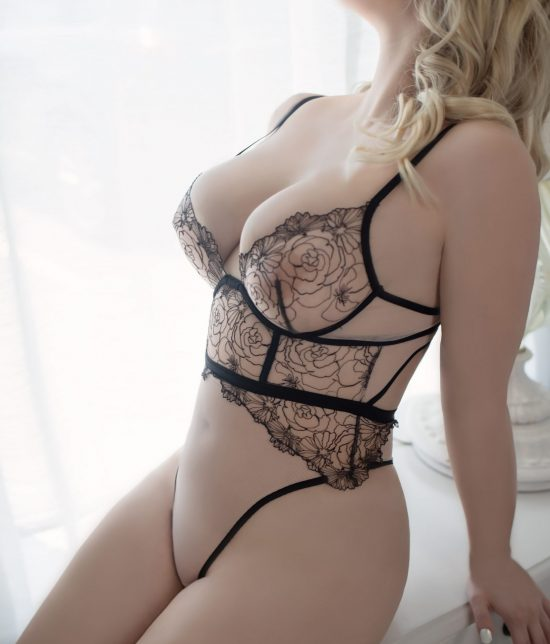 Toronto escort companion upscale classy high class sexy hot beautiful gorgeous Lauren Interests Duo Couple-friendly Non-smoking Age Young Figure Slender Curvy Petite Breasts Natural Hair Blonde Ethnicity European Tattoos Large Arrival New Photos