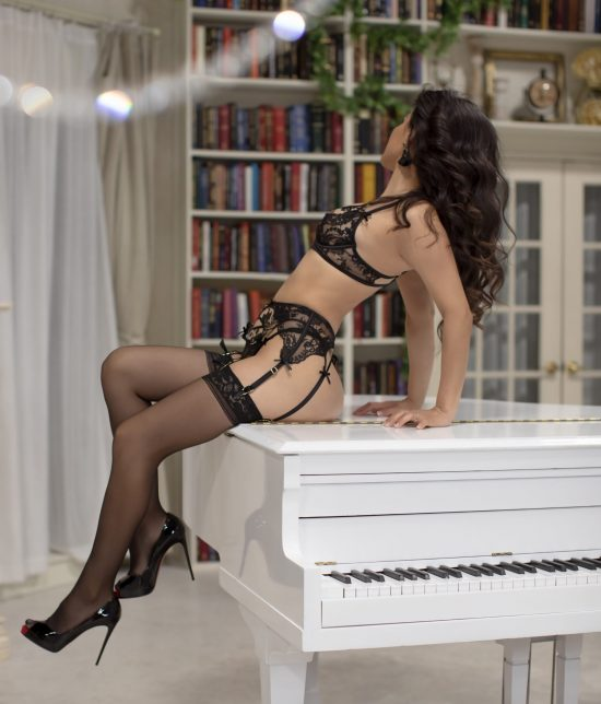 Toronto escort companion upscale classy high class sexy hot beautiful gorgeous Olivia Interests Duo Non-smoking Age Mature Figure Petite Breasts Natural Hair Brunette Ethnicity Latina Tattoos None Arrival New Photos