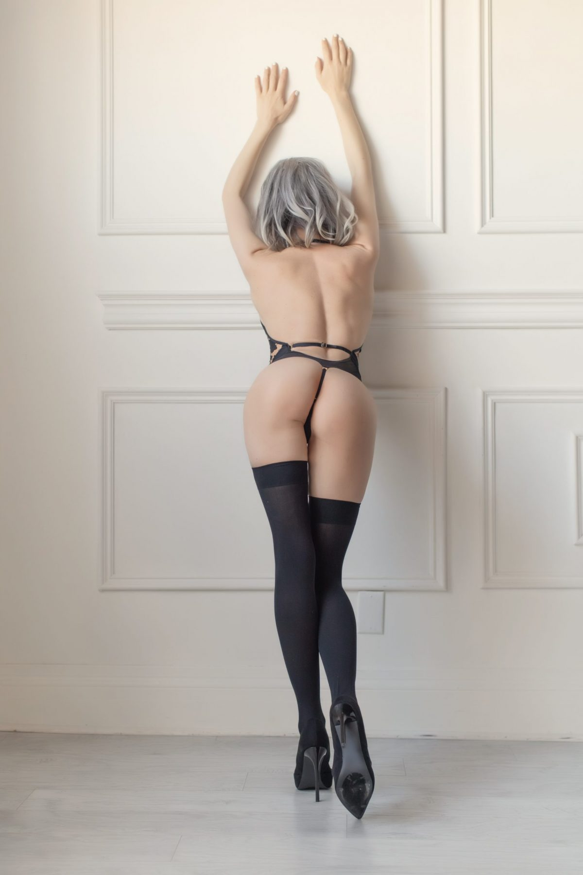 Toronto escorts companion upscale Heather Interests Duo Couple-friendly Non-smoking Age Mature Figure Petite Breasts Natural Hair Blonde Ethnicity European Tattoos Small Arrival Video