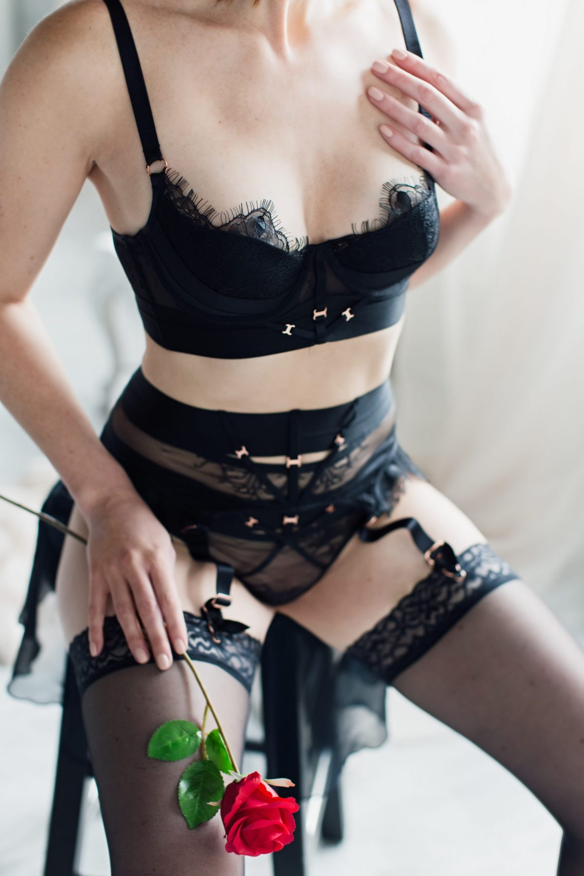 Toronto escorts companion upscale Danielle Interests Duo Non-smoking Age Mature Figure Slender Tall Breasts Natural Hair Redhead Ethnicity European Tattoos None Arrival New Photos