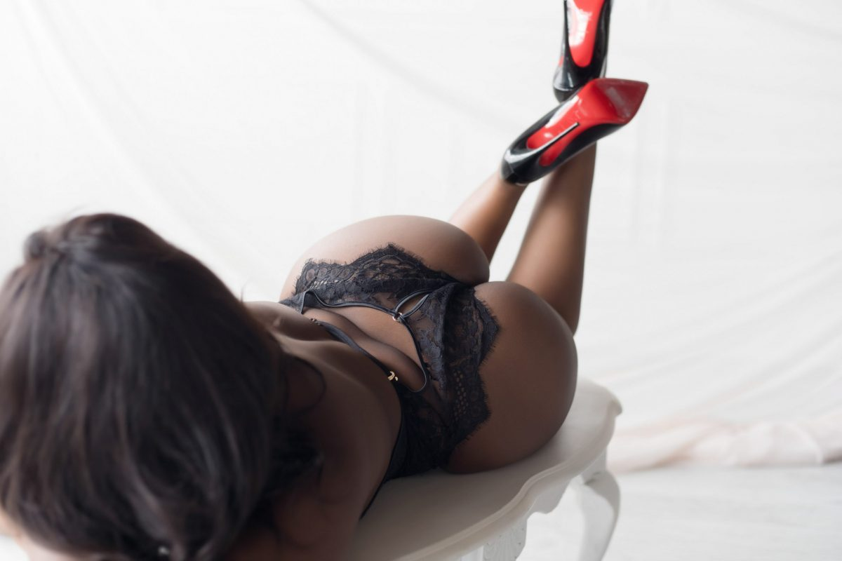 Toronto escorts companion upscale Eliza Interests Duo Couple-friendly Non-smoking Age Young Figure Slender Curvy Breasts Natural Hair Raven-Haired Ethnicity Black Tattoos Large