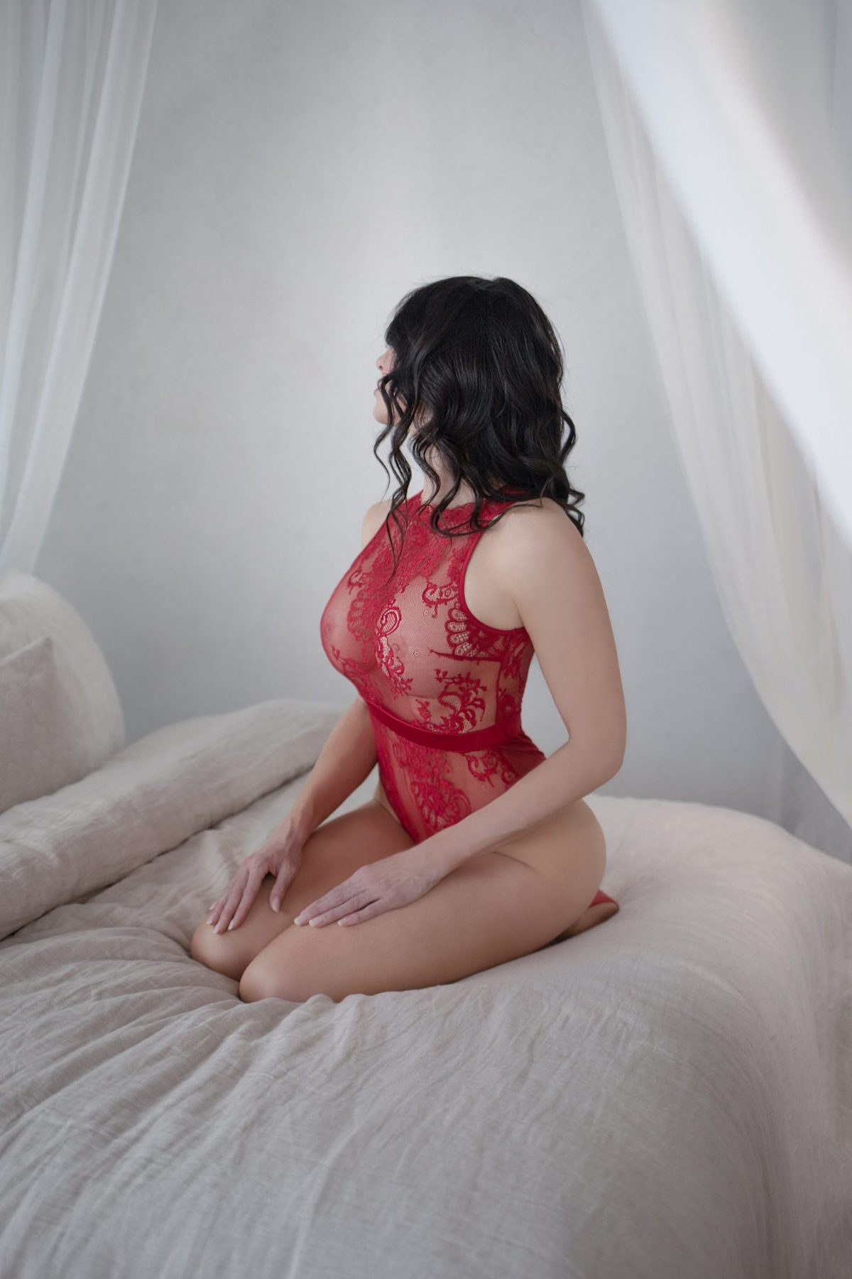 Toronto escorts companion upscale Rebecca Interests Duo Couple-friendly Disability-friendly Non-smoking Age Mature Figure Slender Curvy Tall Enhanced Raven-Haired Brunette European Tattoos Large Arrival New Photos