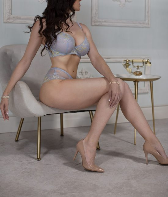 Toronto escort companion upscale classy high class sexy hot beautiful gorgeous Rebecca Interests Duo Couple-friendly Disability-friendly Non-smoking Age Mature Figure Slender Curvy Tall Enhanced Raven-Haired Brunette European Tattoos Large Arrival