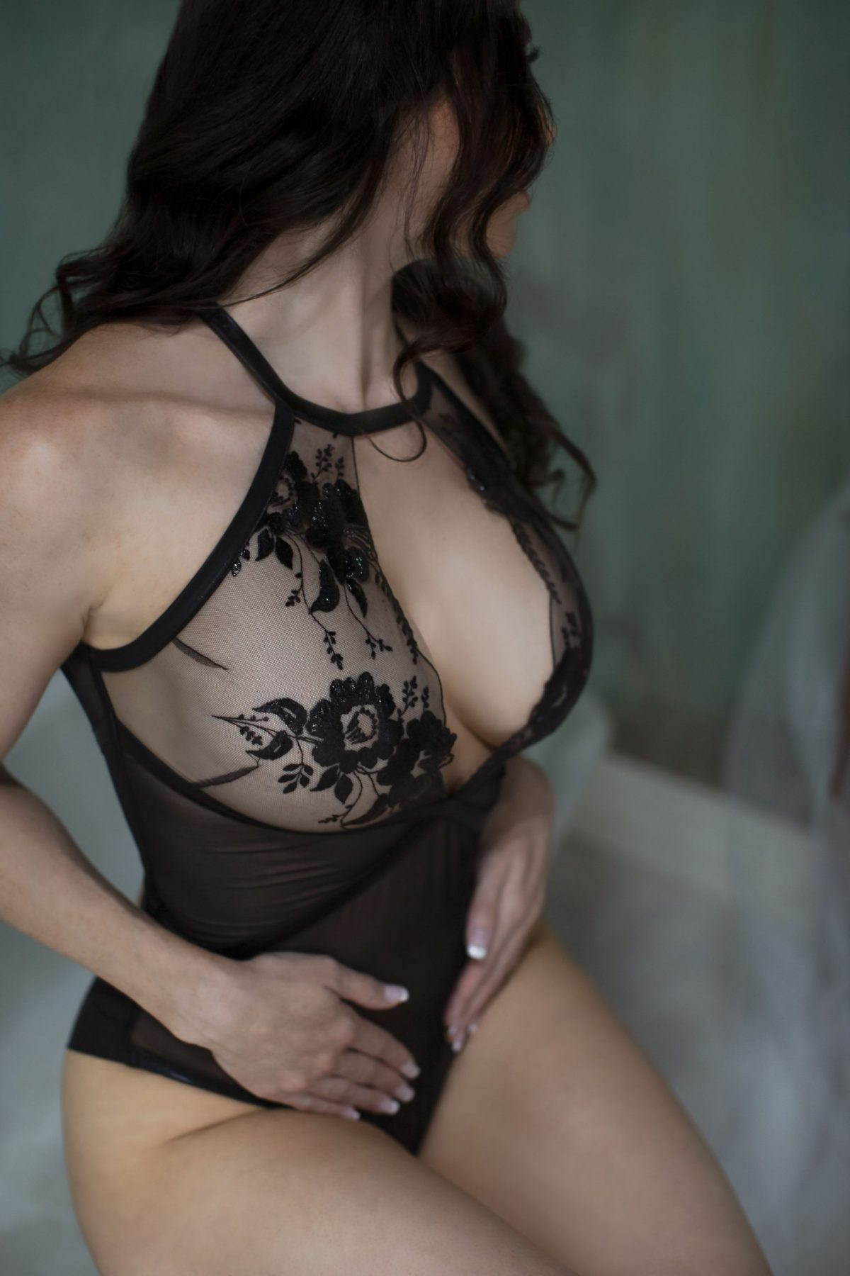 Toronto escorts companion upscale Rebecca Interests Duo Couple-friendly Disability-friendly Non-smoking Age Mature Figure Slender Curvy Tall Enhanced Raven-Haired Brunette European Tattoos Large Arrival