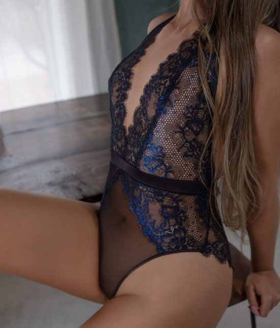 Toronto escort companion upscale classy high class sexy hot beautiful gorgeous Chloe Duo Couple-friendly Disability-friendly Non-smoking Young Slender Tall Natural Blonde European Small